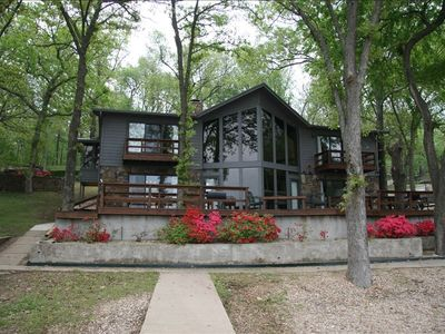 Luxury grand lake spacious home on drowning creek vacation for Grand lake oklahoma cabin rentals