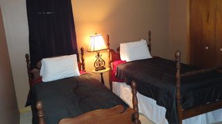 Gulf Shores bungalow photo - 3rd Bed Room with 2 twins ,Bunk beds and Cove Twin Bed.Sleeps 5.Great kid room.