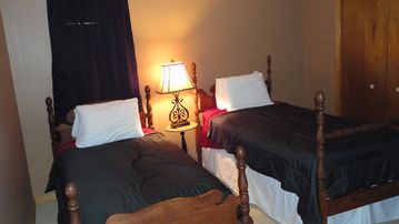 3rd Bed Room with 2 twins ,Bunk beds and Cove Twin Bed.Sleeps 5.Great kid room.
