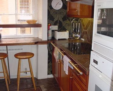 Separate Full Kitchen.... Apartment near British Library and British Museum