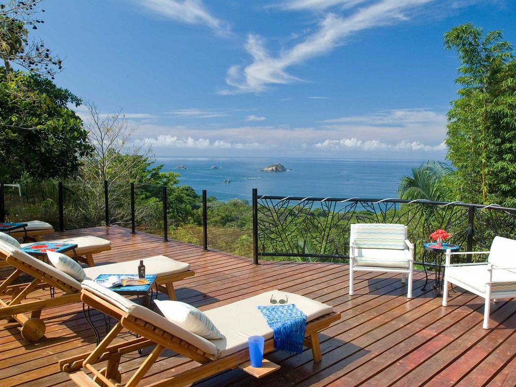 Casa de las brisas ultimate gathering villa vrbo for Costa rica house rental with chef