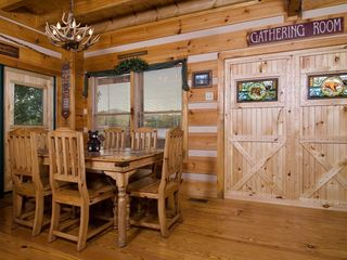 Wears Valley cabin photo - Dining Area seating up to six