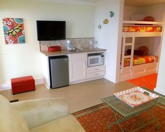 beach level kitchenette & bunks