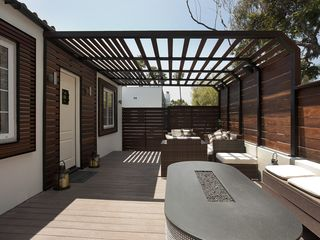 Los Angeles house photo - the firepit