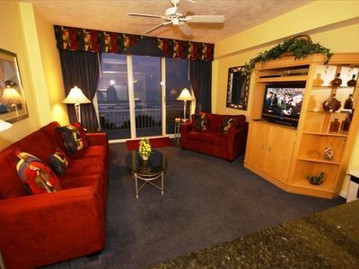 502 Living room with flat panel TV with DVD player
