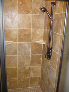 Dripping Springs house rental - Main House - 1st floor master bath shower