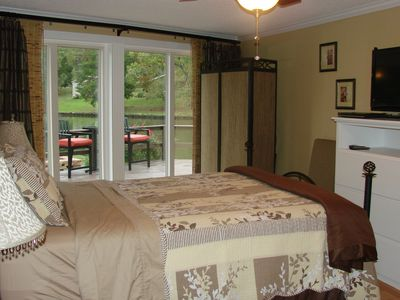 "Queen sized bedroom with amazing lake view and 32"" flat screen TV w/DVD player"
