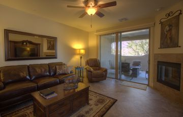 Cave Creek condo rental - Living room with gas firplace & 60 inch TV.