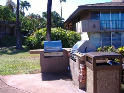 Kaanapali condo rental - BBQ next to the A building