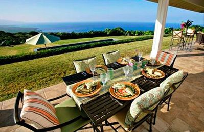 Dine in style on the Lanai as you overlook the pool and the Pacific.
