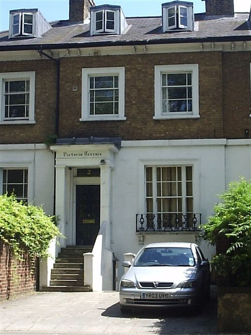 Chambres maison d 39 h tes ealing green bed and breakfast for Chambre d hote londres