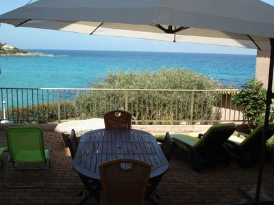 Direct access to the beach and stunning sea views