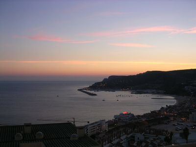 Sesimbra is beautiful at night and has very nice bars with music and good mood