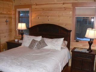 McKenzie Bridge cabin photo - Downstairs bedroom, queen bed, bathroom with bathtub & shower.