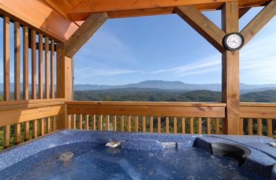 HOT TUB ON UPPER DECK W/ VIEW OF MT LE CONTE