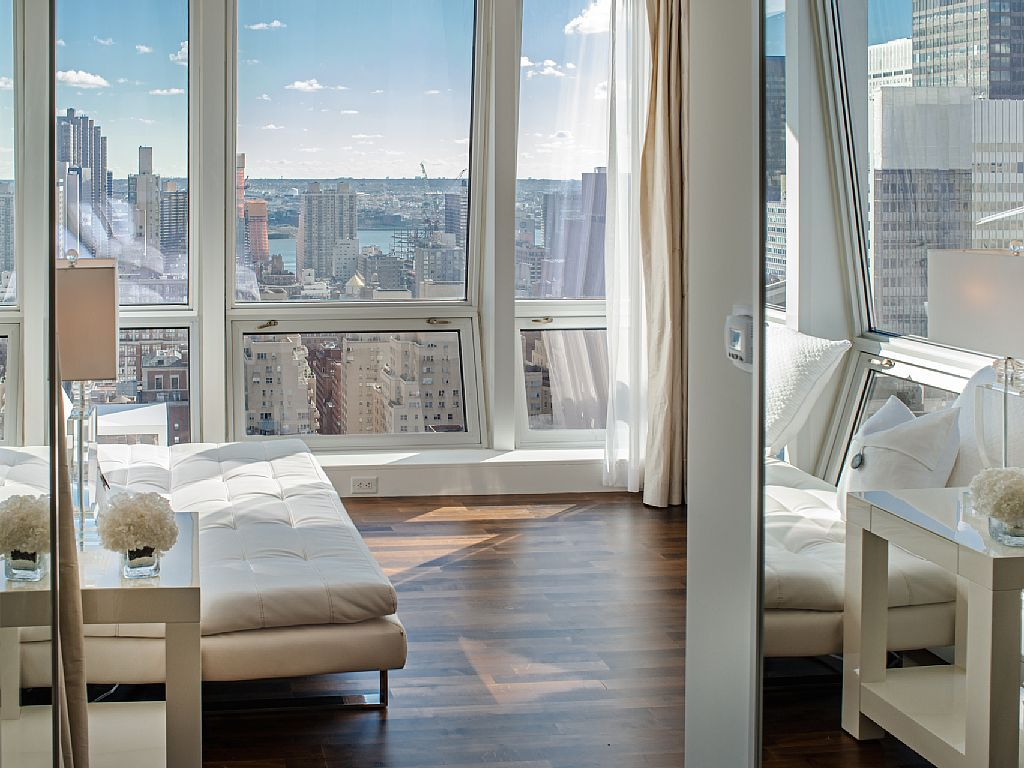Midtown Jewel Diamond 4 Br Apartment Near Empire State Building For Rent Condo