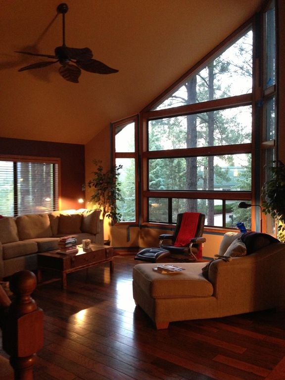 **Mountain Views In Tall Pines with 50mb wireless high speed internet
