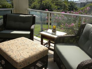 Waikoloa Beach Resort condo photo - Lovely settee on Lanai - Great for reading or enjoying a cup of Kona Coffee