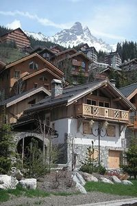 Charming chalet in the heart of the 3 valleys