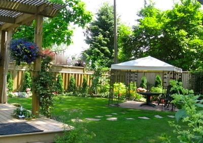 Lovely mature, secluded and fully fenced garden with gazebo
