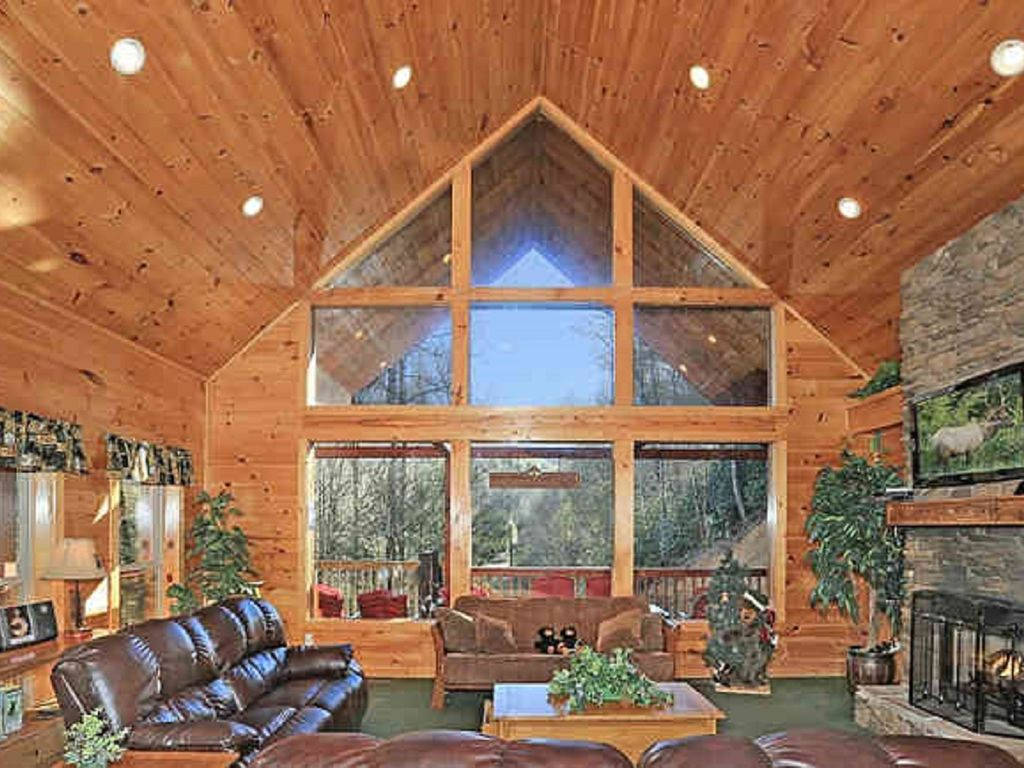 Large secluded cabin wears valley homeaway townsend for Wears valley cabin rentals secluded
