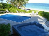 Castle Rock, Private Beachfront House with Pool & Hot Tub