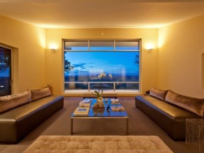 Marfa house rental - The living room with panoramic view