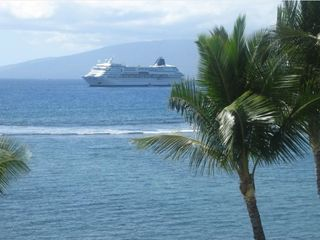 Lahaina condo photo - Cruise Ship coming into Lahaina--taken from the Lanai!