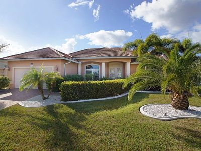Cape Coral house rental - Front View House Bahama, Cape Coral
