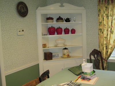 Corner shelf in the kitchen