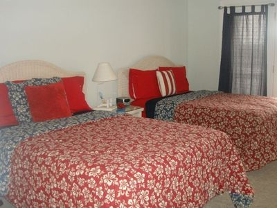 Hilfiger Bdrm #5, 2 full beds w/ large bathroom & private balcony
