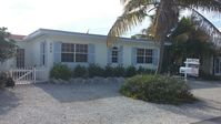Charming 3/2 , Open Water Views, Direct Ocean Access, Pool, Tiki Hut, Near Vaca