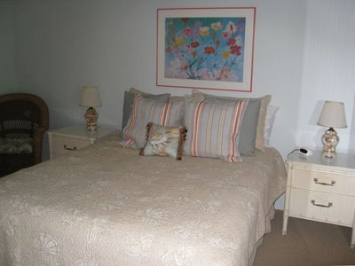 Sanibel Island condo rental - queen bedroom