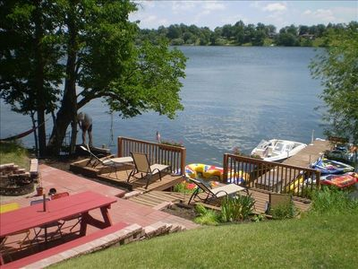 Lakeside decks 30' from cabin overlook crystal clear Lake Victoria.
