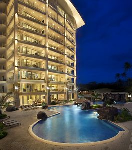 Jaco condo rental - Diamante del Sol at night