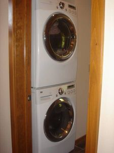 Branson cabin rental - Main Level - Front Loader Washer and Dryer