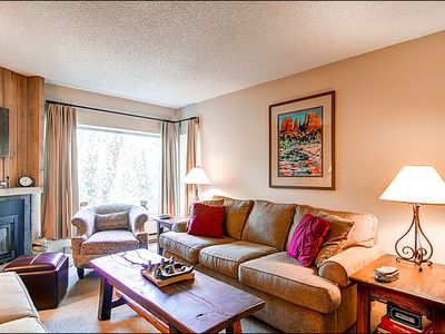 Breckenridge condo rental - Natural Light in the Living Area