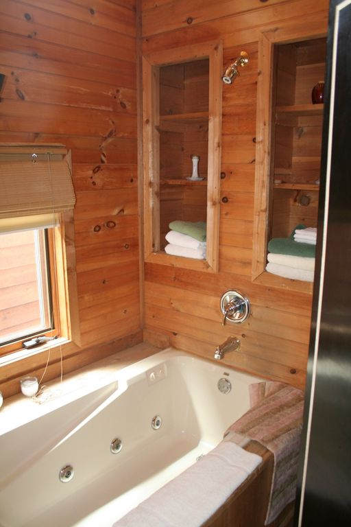 This cabin has four full bathrooms