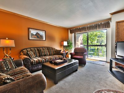 One bedroom unit by Main Street & Town Lift with heated pool, hot tubs and WiFi