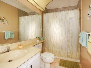Fort Myers Beach condo photo - Guest Bath