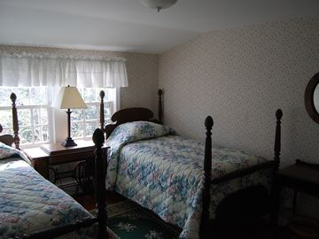 One of the two end bedrooms