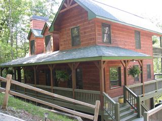 Ellijay cabin photo - Spacious, River Front Cabin that sleeps up to 12 people