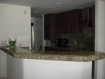 NV kitchen, granite counters