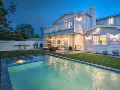 Big Beautiful Encino Estate with Pool, Hot Tub, Privacy Fence