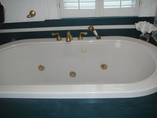 Charleston apartment photo - Oversized Jetted Soaking Tub: AptB