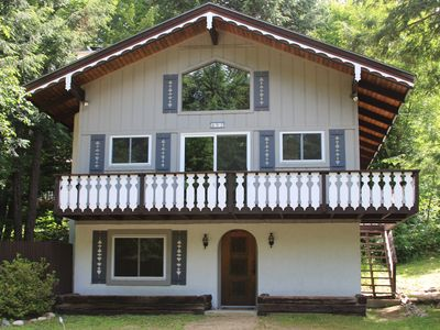 Amazing Chalet with Wi-Fi, Cable, Netflix, A/C: Next to StoryLand!