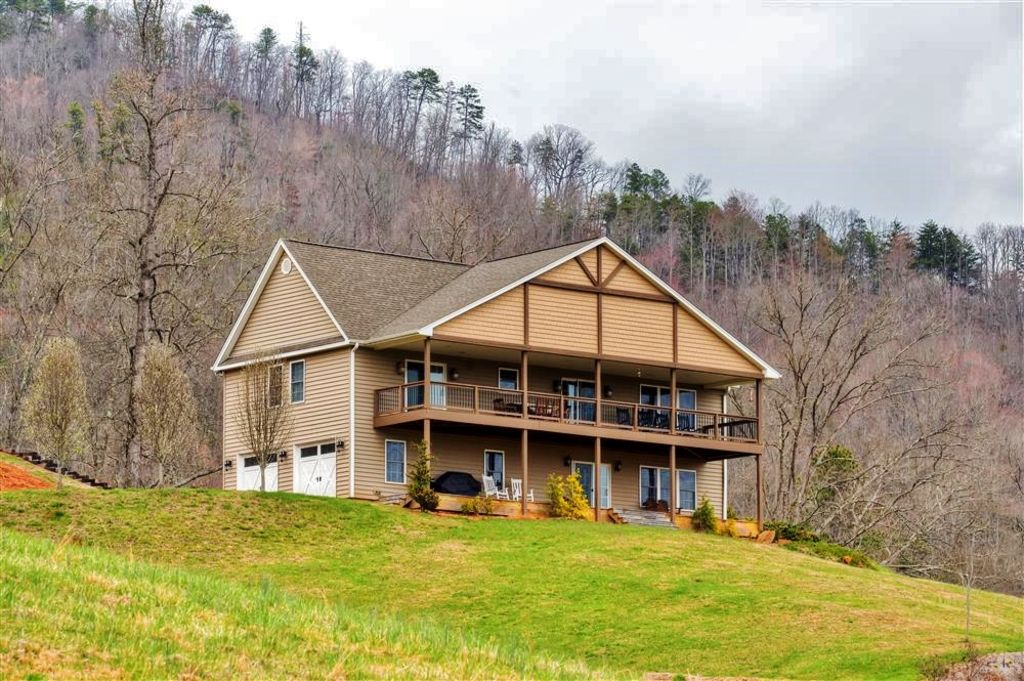 New Listing! 'Buck Mountain Escape'... - HomeAway Franklin