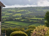 Walkers Retreat with great views, garden and free WiFi