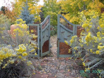Taos estate rental - Dragonfly Gate