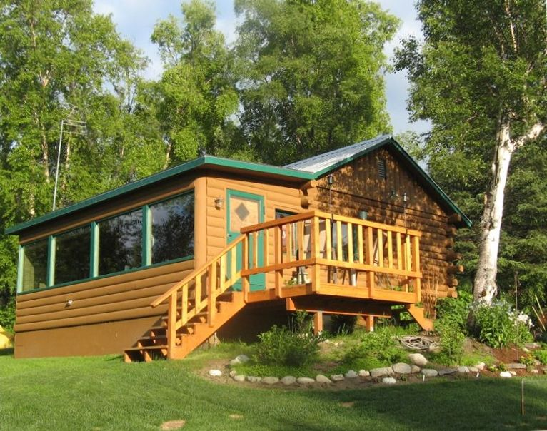 Lakefront log cabin spectacular views vrbo for 4 bedroom log cabin kits for sale